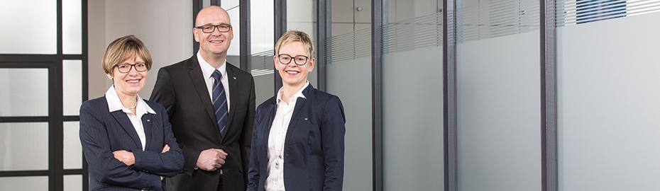 V. l. n. r.: Gisela Eggensberger (Mitglied des Stiftungsvorstandes),  Wolfgang Specker und Bettina Plöger (zertifizierte Stiftungsberater)